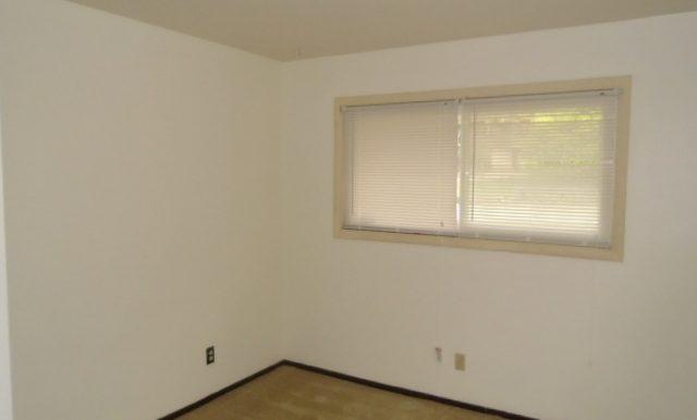 08-Bedroom