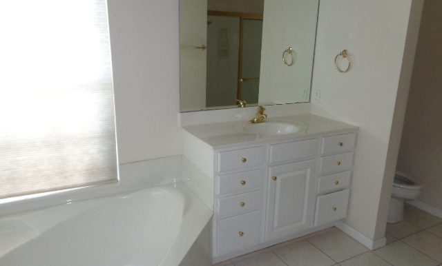 13-Master Bathroom