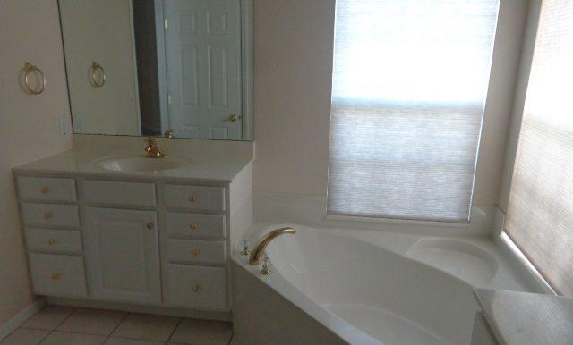 14-Master Bathroom